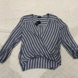 NWT Max Edition blue and white chambray top